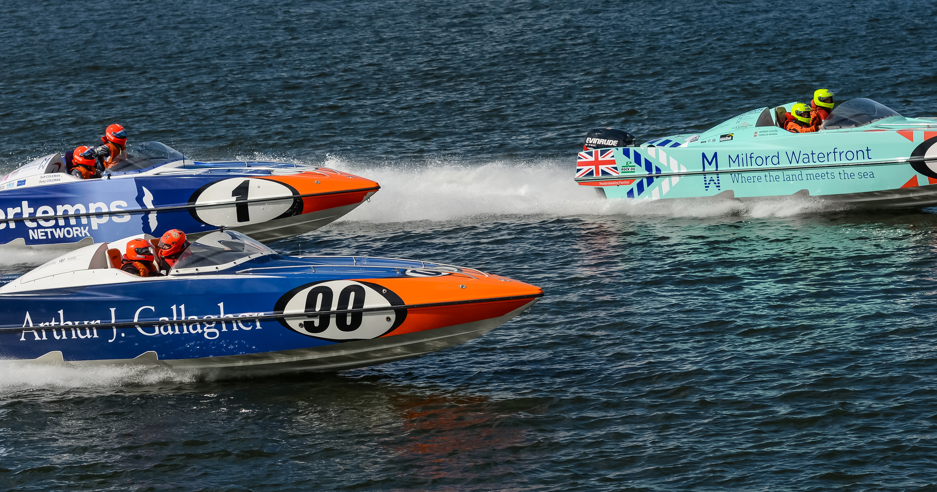 It was a fantastic day of racing as the new 2017 P1 SuperStock UK season got underway in fantastic sunshine on the Aalborg Waterfront