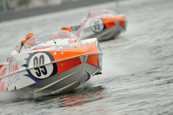 Arran Scott and Gavin Feldt Allam Marine hold off the challenge from Quantum Racing